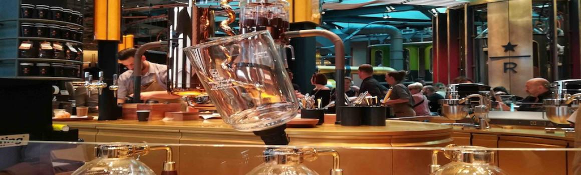 Starbucks Milano è di riferimento per ristorazione e design (video e menu)